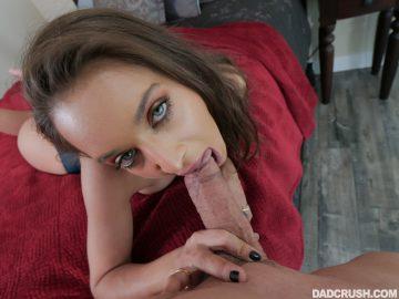 Uma Jolie sucks cock