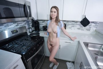 dadcrush_jill_kassidy naked in kitchen